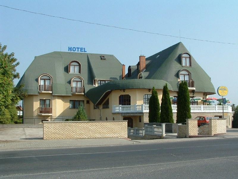 hotel zu verkaufen investition in ungarn. Black Bedroom Furniture Sets. Home Design Ideas
